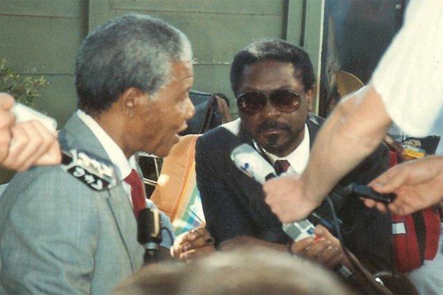 Les Payne with Nelson Mandela